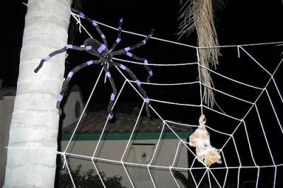 паутина из пряжи на halloween