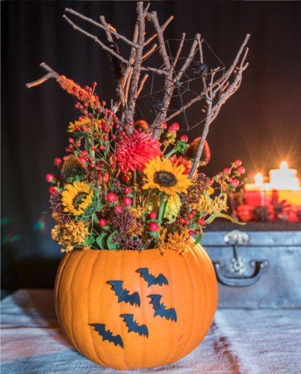 Декоративная ваза с тыквами